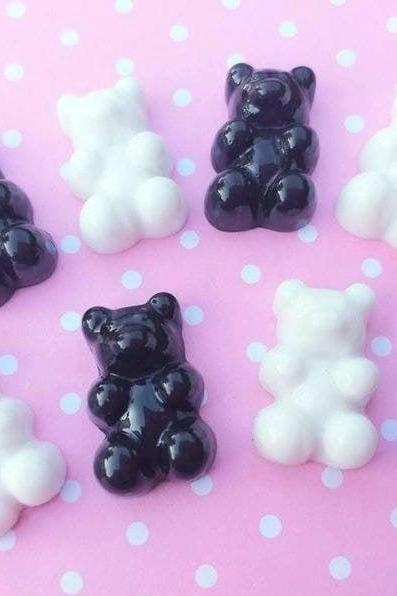 5 pcs - Black and White Gummy Bears Cabochons,Mixed Cabochons, Flatback, Slime, Decoden, Fake Food