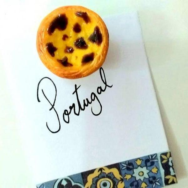 Portuguese Egg Tart Magnet, Fridge Magnet - Miniature Food - Kawaii Charms - Polymer Clay Charms - Food Accessories - Gift - Portugal